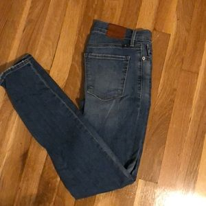 Lucky Brand Jeans, never worn. Size 2